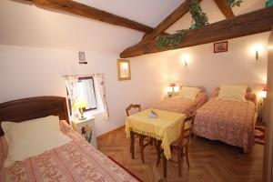Chambres hotes pas cher 4 à 6 personnes à 35 minutes du Puy du Fou - le Logis du Roulin