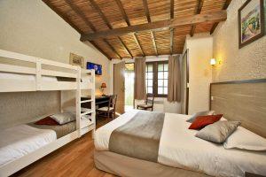 Chambre familiale pour etre hébergé en hotel proche du Puy du Fou